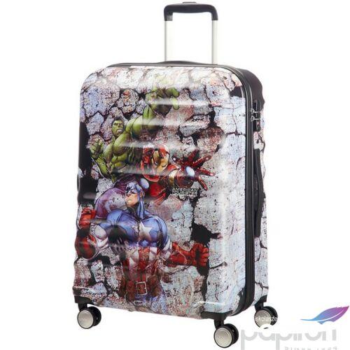 American Tourister bőrönd WAVEBREAKER Marvel 52x77x29cm 4,2kg 4kerekű 85687/5976 Avengers